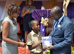 Education Ministry gives Books to Students