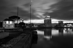 Towers at night (Photoeric_) Tags: tour tower phare atmosphere longexposure exposition nuit night monochrome reflet blackwhite port cloud lumiere horizon