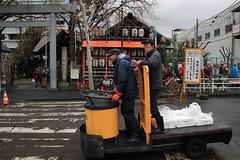 Tsukiji Fish Market | Morning Hurry (Toni Kaarttinen) Tags: japan  japonia    jap japonsko jaapan  japani japon xapn    japn jepang an tseapin giappone  japna japonija  japo  japonska japn hapon  japonya nht bn tokyo tokio japanese tsukijifishmarket tsukiji fish market fishmarket forklift hurry guys workers