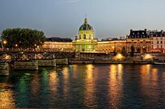 l'Institut de France (Joseph Trojani) Tags: paris seine laseine institut institutdefrance frenchinstitute acadmie pontdesarts bridgesofparis arts bridge