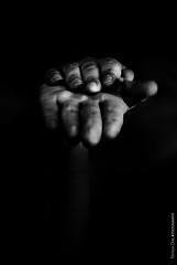 Mains (NROmil) Tags: white black detalle blanco yoga gris flickr noir negro hans manos bn mains