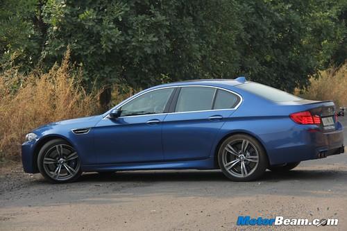 2012-BMW-M5-13