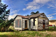 Old house, Wairau Valley, Marlborough, New Zealand (brian nz) Tags: old newzealand house building abandoned home rural ruins decay farm cottage shed valley marlborough derelict dilapidated deterioration whare wairau oldandbeautiful oncewashome