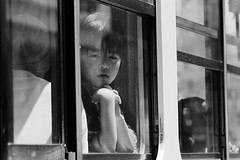 Au revoir (J.Salmoral) Tags: vacation portrait bw blanco japan train tren noir retrato negro  nippon portret blanc japon giappone nihon jap   retrat portrt portrtt  arckp canonef24105f4lisusm