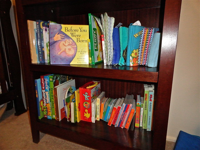 children toddler nursery books bookshelf woodfurniture babybooks lynnkelley