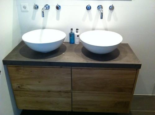 Ikea Badkamer Ikea : Ikea badkamer meubel met nieuwe fronten en betonnen blad a photo