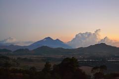 Nueva Postal (Lupe Melindres) Tags: clouds de volcano guatemala noviembre nubes cielos atardeceres volcan celajes pancontoki