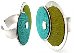 Angeles Flor Circus ring in apple green and teal (Ans Designs) Tags: textilejewellery angelesflor aluminiumjewellery ansdesigns