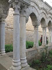 Il chiostro di S.Giovanni degli Eremiti. (sangiopanza2000) Tags: italy italia columns sicily cloister palermo sicilia chiostro colonne sangiopanza