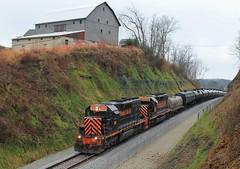 Top of the Hill. (W&LE45) Tags: railroad trestle train trains rook westland railroads sd402 washingtonpa tankcars sd40 sd403 wle rookyard wheelinglakeerie wheelinglakeerierailway rooksubdivision westlandbranch