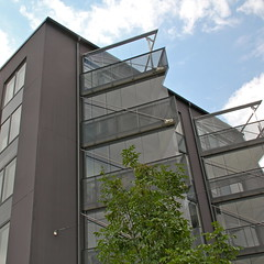 Strandlycka and parken IV (hansn (2 Million Views)) Tags: architecture modern square europa europe apartments sweden stockholm contemporary architect housing sverige apartmentbuilding brf arkitektur bostder squarish arkitekt annedal bostadsrttsfrening flerbostadshus strandlycka joliark tenantownerssociety parken