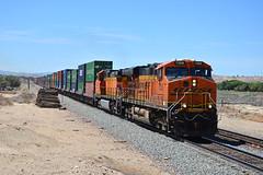 BNSF 7368 at Oro Grande on 20th July 16' (LusitaniaD225) Tags: bnsf usa sanbernardinocounty california doublestack 7368 5069 mojavedesert usafreighttrain longfreighttrain bnsfrailway burlingtonnorthernandsantaferailway containertrain