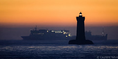 _4LN7060 : Ship au Four (Brestitude) Tags: phare lighthouse four porspoder crepuscule dawn boat bateauferry baiedeseine soleil finistère été summer bretagne brittany breizh mer sea iroise brestitude ©laurentnevo2016