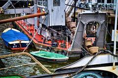 die Hafenschlampe (SmoHoHo) Tags: lbeck hafen wasser boot schlampe hafenschlampe museumshafen kette rettungsboot sonya58 sal1650