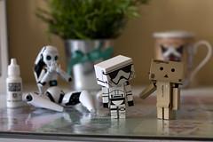 Enserio? (Heniferu) Tags: danbo danboard heniferu starwars stormtroopers