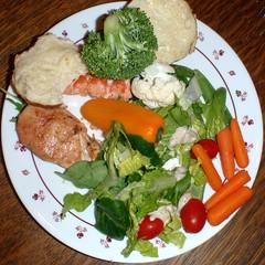 #8755 dinner: chicken, salmon, and veggies (Nemo's great uncle) Tags: spokane wa food 食事 dinner 夕食 squircle squaredcircle chicken 鶏肉 チキン salmon サケ 鮭