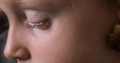 grain de peau, graine de tendresse... (peu prsente...ailleurs !) Tags: capucine fillette profil peau cils