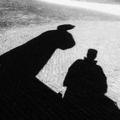 Zelfportret met Rembrandt van Rijn. (Harry -[ The Travel ]- Marmot) Tags: square squareformat holland nederland netherlands dutch hollands nl amsterdam mokum stadsarchief stad city urban stedelijk stads zuid buitenveldert amstel rembrandtvanrijn zelfportret portret portrait selfie shadw schaduw allrightsreservedcontactmebyflickrmail