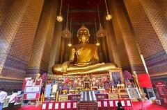 Wat Kalayanamit Bangkok tour_E10962075-018