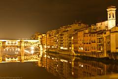 Ponte Vecchio (SirSam84) Tags: italien bridge italy night canon river eos florence long exposure italia time nacht ponte 7d firenze arno brcke fluss spiegelung florenz vecchio langzeitbelichtung