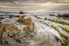 Barrika (Carlos J. Teruel) Tags: mar tokina cielo nubes rocas marinas d300 filtros xaviersam singhraydarylbensonnd3revgrad carlosjteruel