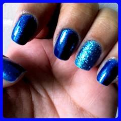 Filha Única com Glitter Forte (8mlsdeamor) Tags: azul filhaúnica glitterforte clubedoesmalte
