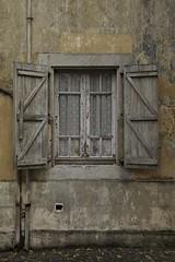 Past (Stéphane Dégremont) Tags: street urban window architecture canon eos raw tarbes fenêtre ef24105f4l eos5dmarkii stéphanedégremont wwwstphanedgremontviewbookcom