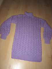 Nice wool neck II (Mytwist) Tags: wool purple turtleneck knitted cabled tneck