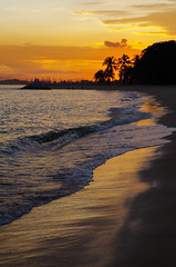 Sunset at East Coast Beach (travelingniftyfifty) Tags: drivingback smca50mmf17 travellingniftyfifty