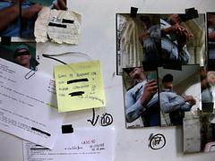 Aportación de agentes del orden. detalles de la pizarra con la investigación policial1