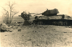 German 88mm flak Vs russianT-34 tank, Brjansk Russsia (Krueger Waffen) Tags: war tank wwii armor artillery 88 armored waffenss flak tanks panzer secondworldwar worldwartwo antitank wehrmacht t34 88mm sdkfz pzkpfw russiantank destroyedtank russianarmor flak38 secondworldwartanks worldwartwotanks tanksofthesecondworldwar