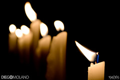 194/365 - Día de las velitas - 07.12.12 (DiegoMolano) Tags: lights navidad luces nikon candles dof bokeh velas holydays oscuridad cruzadas proyecto365 cruzadasgold d3100 cruzadasii cruzadasi cruzadasiii