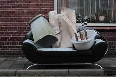 Out in the cold (kleuske) Tags: snow cold trash sofa abandonment socialproblems