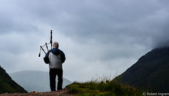DSC_2598 (iggythump) Tags: glencoe scotland scottishhighlands bagpipes bagpiper