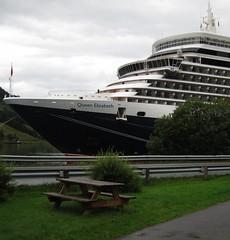 The picnic area (Bosc d'Anjou) Tags: norway sognogfjordane olden cruiseship queenelisabeth picnictable