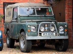 VES 830L (2) (Nivek.Old.Gold) Tags: 1972 land rover 88 series 3 softtop