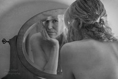 un petit coucou  (peek-a-boo) (l'imagerie potique) Tags: limageriepotique poeticimagery reflets reflection tresses braids texture sidelight playful espigle sensuel