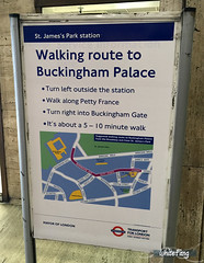 From St James Station - Directions to Buckingham Palace (WhiteFang (Eurobricks)) Tags: lego architecture set landmark country buckingham palace victoria elizabeth royal royalty family crown jewel imperial statue tourist united kingdom uk micro bus taxi