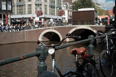 Bike at canal in Amsterdam 28 (Amselchen) Tags: bicycle amsterdam city canal street travel bokeh dof depthoffield fuji fujinon fujifilm xt10 xf27mmf28 pancake light lightandshadow shade