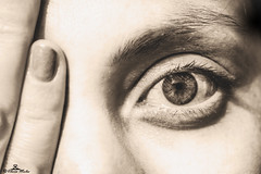Free your Imagination (89lilly) Tags: imagination detail details eye eyes pupilla occhio occhi beautiful free close dita unghia softness delicatezza photography canon try sguardo look glance canon550d cagliari city canonphoto friend dettagli dettaglio girl pic picture portrait ritratto macro macrophotography
