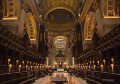 St Paul's Lates (plvision) Tags: london londres stpaul cathedral church cathdrale glise greatfire350 greatfireoflondon night stpaulscathedral architecture perspective symmetry symmetrical choir lamp stpaulslates