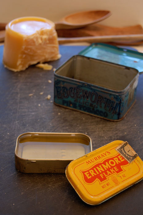 board-butter-in-antique-tins
