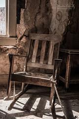 Old Rocking Chair (Martin Osiadly) Tags: wood old color colour window mos photography town chair nikon fotografie martin body alt fenster ghost stadt ghosttown rocking holz farbe destroyed farbig fubar stuhl d800 kaputt zerstört schaukel geister schaukelstuhl geisterstadt kaputter osiadly d800e
