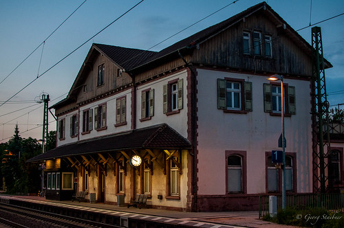 "Bahnhof Ettlingen West • <a style=""font-size:0.8em;"" href=""http://www.flickr.com/photos/50652071@N08/8194521112/"" target=""_blank"">View on Flickr</a>"