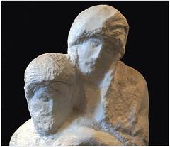 Maintenant, la tte du Christ se trouve  droite de celle de la Vierge. Son corps ne s'affaisse plus vers l'avant. La Vierge parat ancre, non plus dstabilise par le poids de son fils mort. C'est un ensemble mouvant, malgr l'excution rudimentaire. (Barbara DALMAZZO-TEMPEL gone and back again... len) Tags: milan italia milano castellosforzesco italie centreville marbre michelangelobuonarotti michelange lombardie piet pietrondanini palazzosforza pita museicivici musedelasculpture oeuvreinacheve