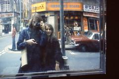 LONDON 1978 July pic56 (streamer020nl) Tags: camera trip reflection london ed mirror us spiegel soho olympus louise 1978 1000 wimpy reflektion greekstreet selfie reflectie selfies selfus
