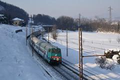 .....e la sua coda...... (Maurizio Zanella) Tags: snow italia trains neve railways fs alessandria trenitalia treni ferrovie rigoroso carrozzapilotamd r21130 e464615
