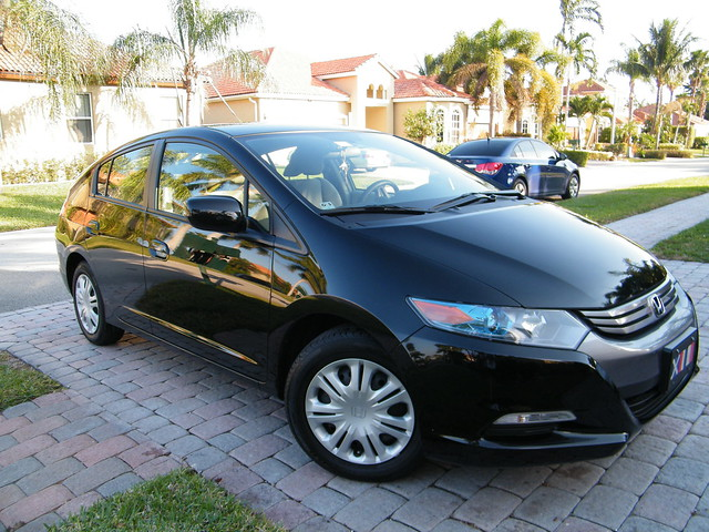 black honda insight 2011
