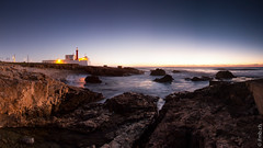 cabo raso (MB*photo) Tags: panorama costa lighthouse portugal dusk lisboa panoramic bluehour farol soir phare cascais lisbonne panoramique atlantico atlantique ocan caboraso heurebleue wwwifmbch