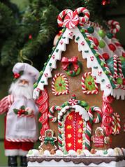 A Gingerbread House (rivadock4) Tags: santa ladies gardens dancing small scene ornaments homestead davidsonville homesteadgardens ladiesdancing townusa